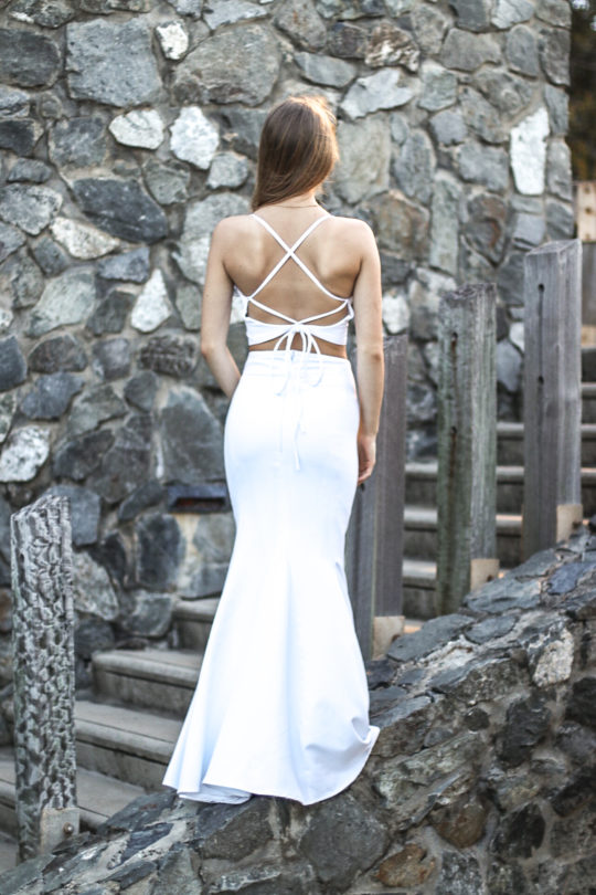 Backless With Tong